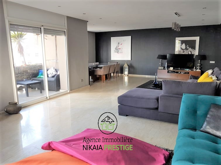 Vente appartement de 190 m² avec balcon, 3 chambres, parking, quartier BOURGOGNE Casablanca 1 (1)